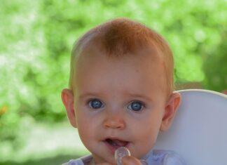 wybór smoczka dla małego dziecka