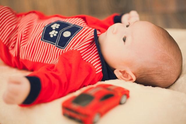karuzela do dziecięcego łóżeczka jak wybrać